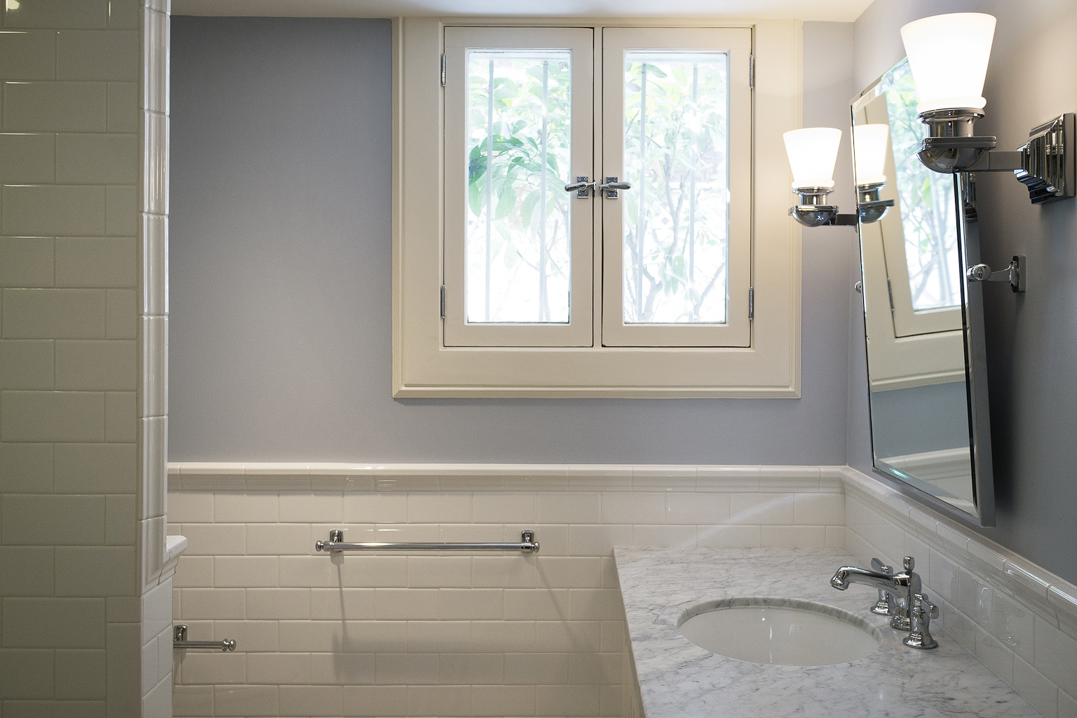 Tuesday trend benjamin moore 2014 color trends a cameo life for Bathroom finishes trends
