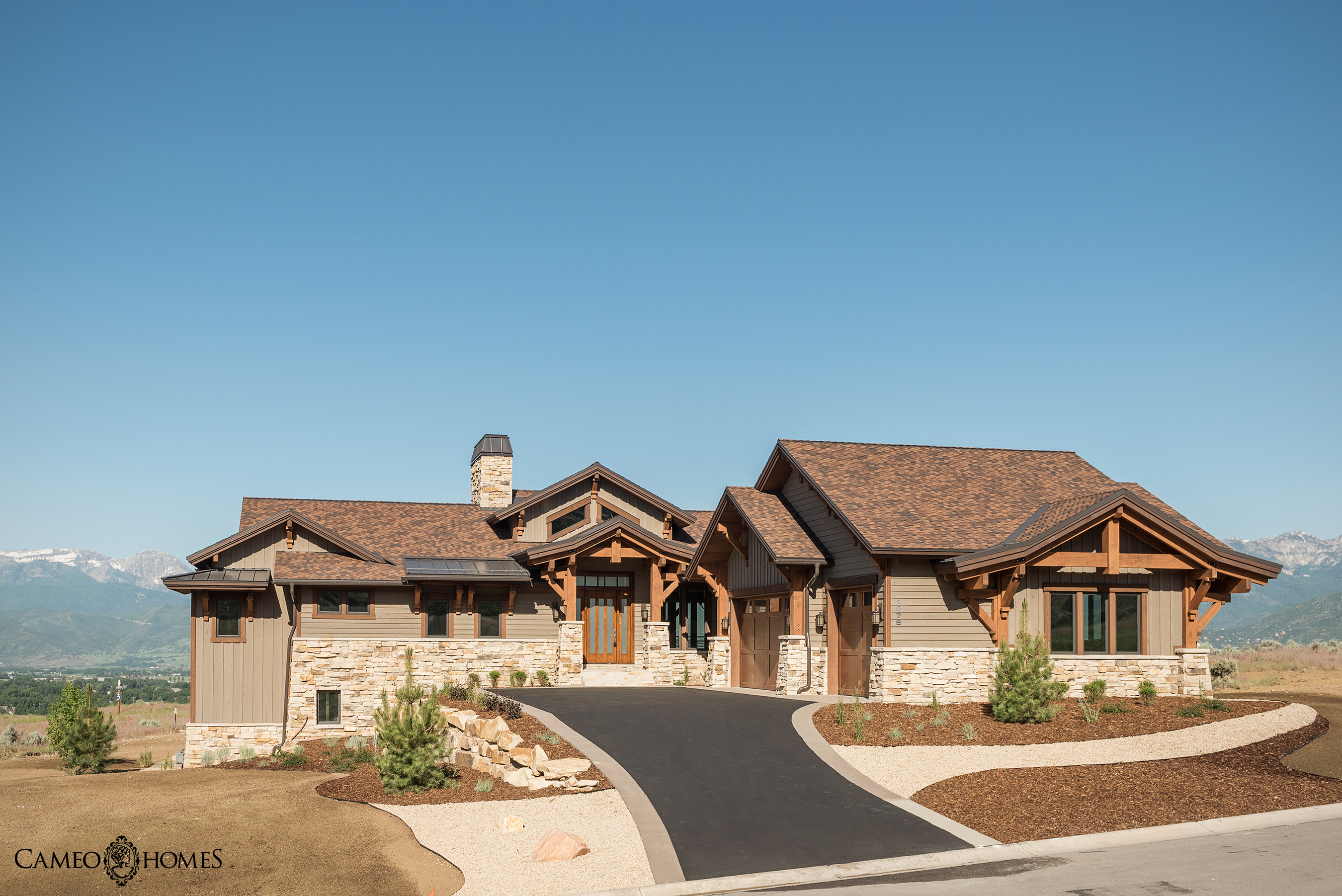 Red ledges luxury home a cameo life for Luxury home developers