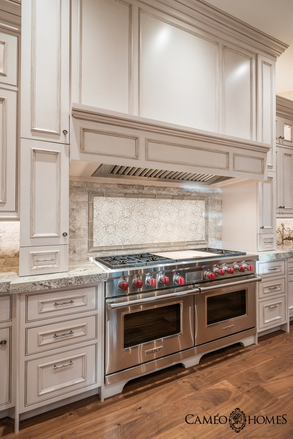 Custom Kitchen by Cameo Homes Inc. in Utah.